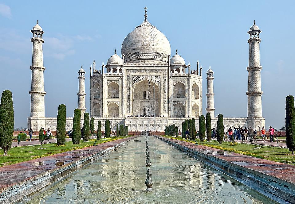 Taj Mahal - największa atrakcja i zabytek w Indiach
